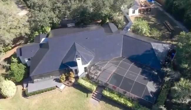 Tesla saulės stogas